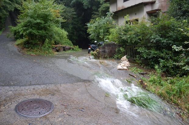 ④若王子石田さん床下浸水20150718
